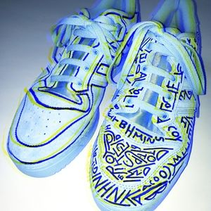Free hand Osmosis Suade Adidas Low Tops